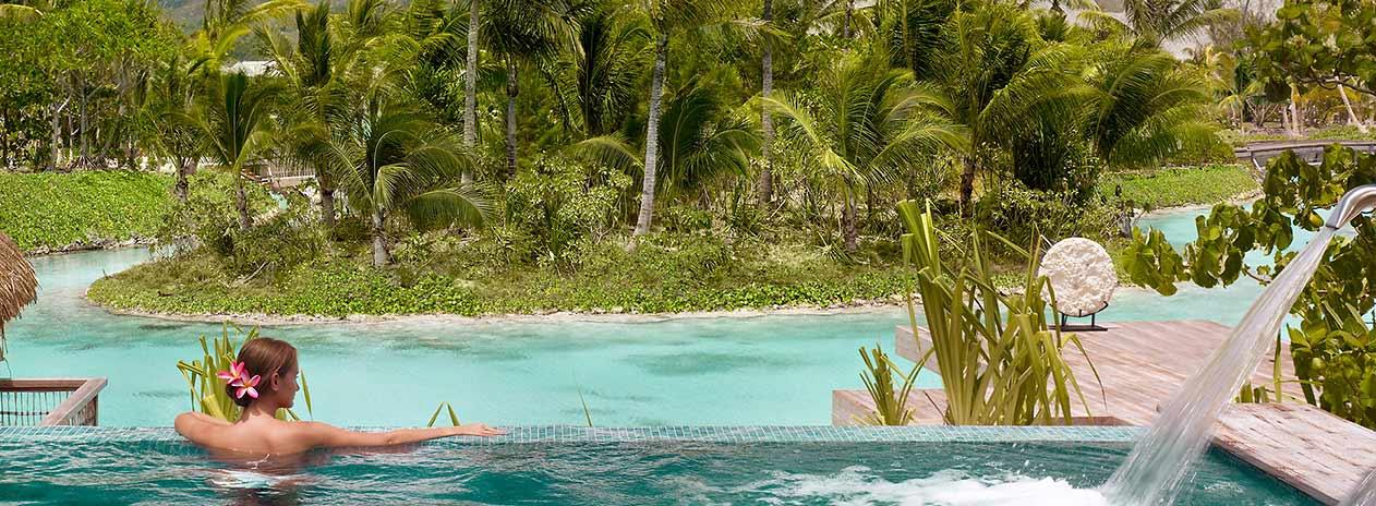 bora bora urlaub luxus reisen lagunen bungalow. Black Bedroom Furniture Sets. Home Design Ideas